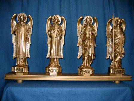 Golden figures of angels above Lady Chapel altar